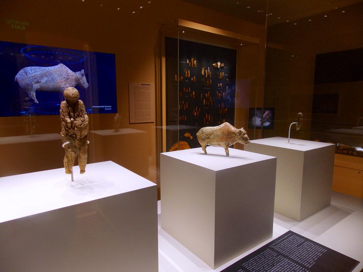 Фигурка бизона в археологическом зале музея Зарайского кремля